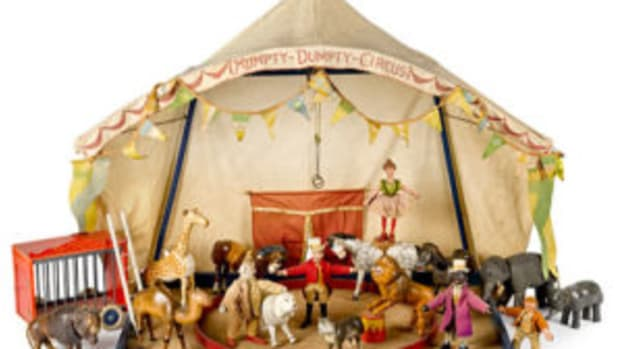 Schoenhut circus with people, tent, and animals. Courtesy of Pook & Pook / Noel Barrett Auctions
