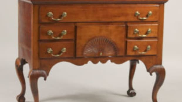 Chippendale cherrywood dressing table made in Colchester, Connecticut circa 1760-1775.