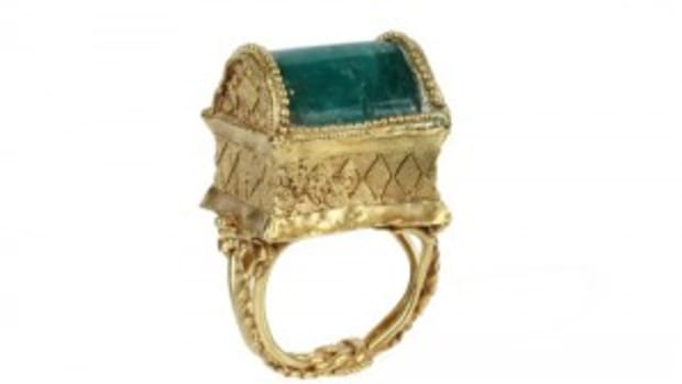 Greek emerald gold ring