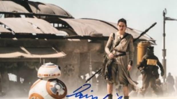 Daisy Ridley autograph