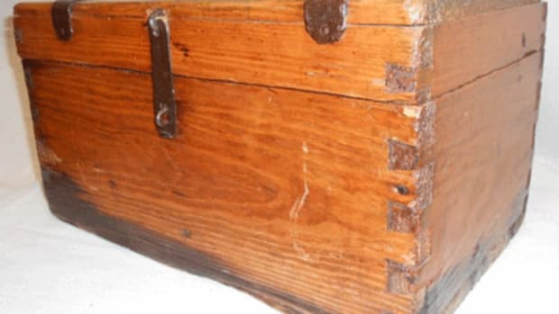 crude-dovetail-chest
