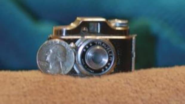 """Tiny """"spy"""" camera."""