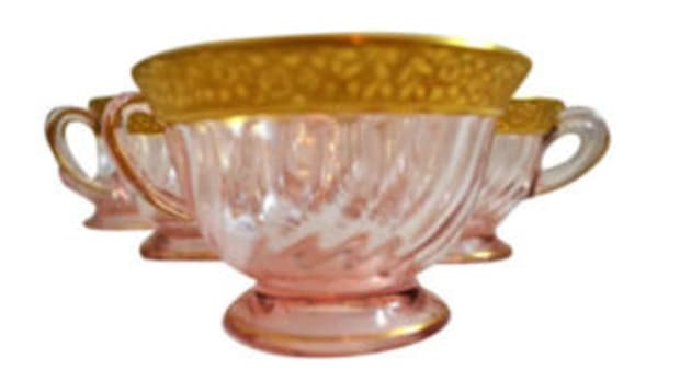 pink swirl depression glass cups