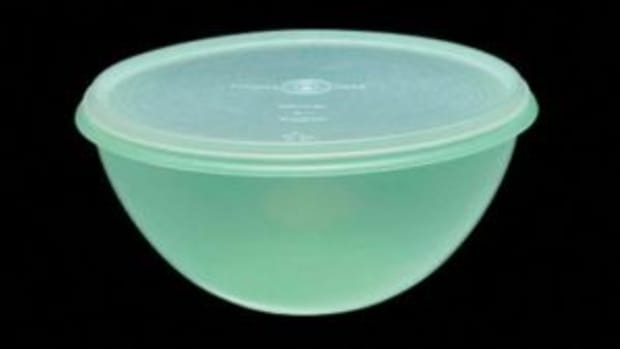 Vintage Tupperware Wonder Bowl from the 1950s