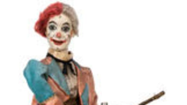 This c. 1900 clown magician musical automaton made in Paris by Leopold Lambert was the top lot, selling for $13,200 against a pre-sale estimate of $8,000-12,000. Images courtesy of Potter and Potter