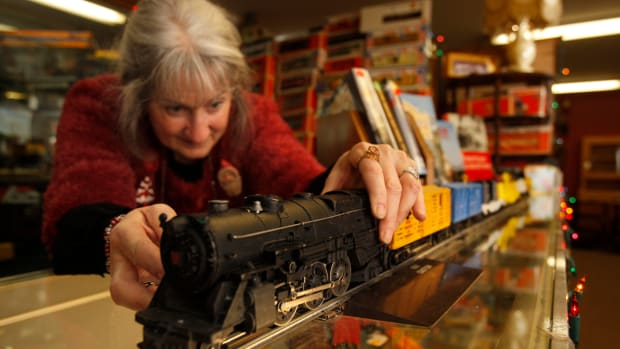 Whether you're looking for antique trains or other antiques and collectibles, getting to know a dealer in the area you're interested in can be invaluable.