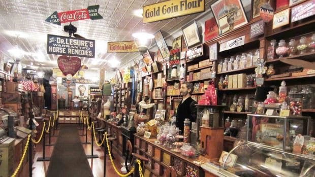 W. R. Rudy Country Store & Drug Store Museum