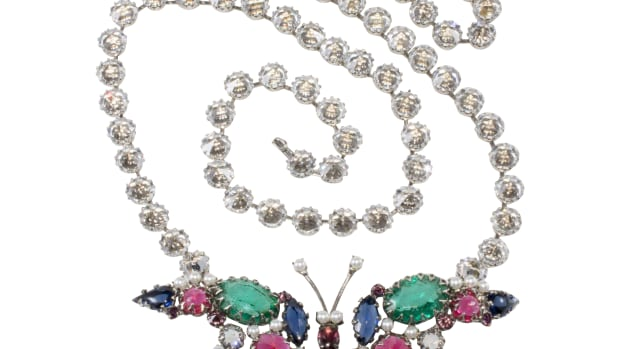 Unmarked costume jewelry necklace identified as Schreiner.