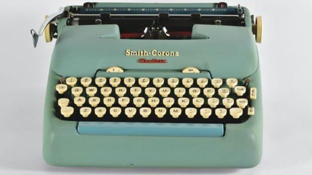 smith-corona-electric-portable_1957