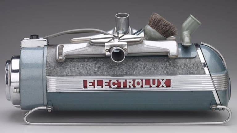 Vintage Vacuums: Older Than Dirt (Almost)