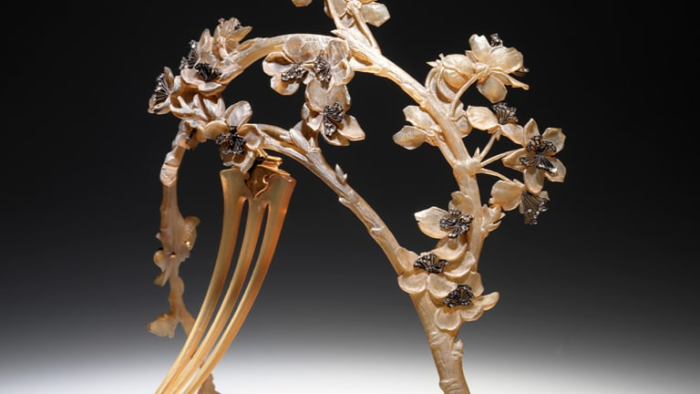 The Stunning Horn Hair Combs of René Lalique