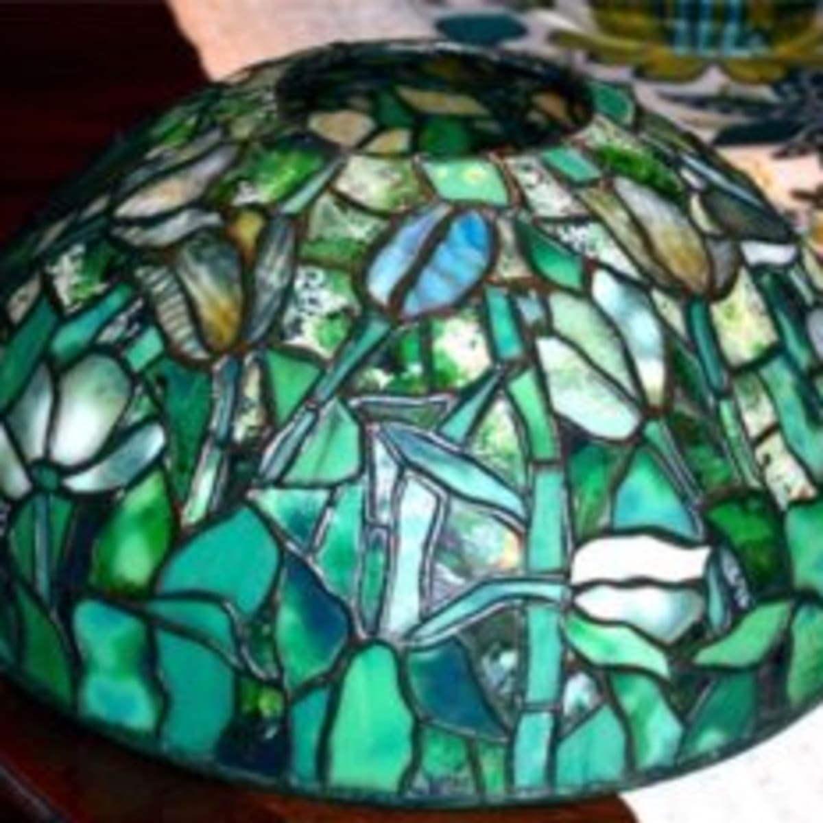 Picture of: Antiques Appraisals Tiffany Lamp Shade Valued At 25 000 Antique Trader