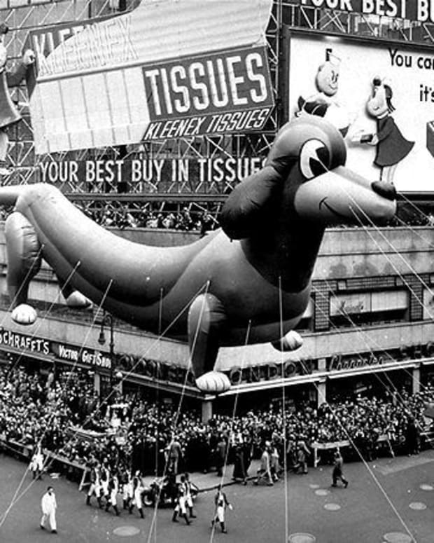 This Dachshund/Lucky Pup balloon floated down Broadway in 1950.