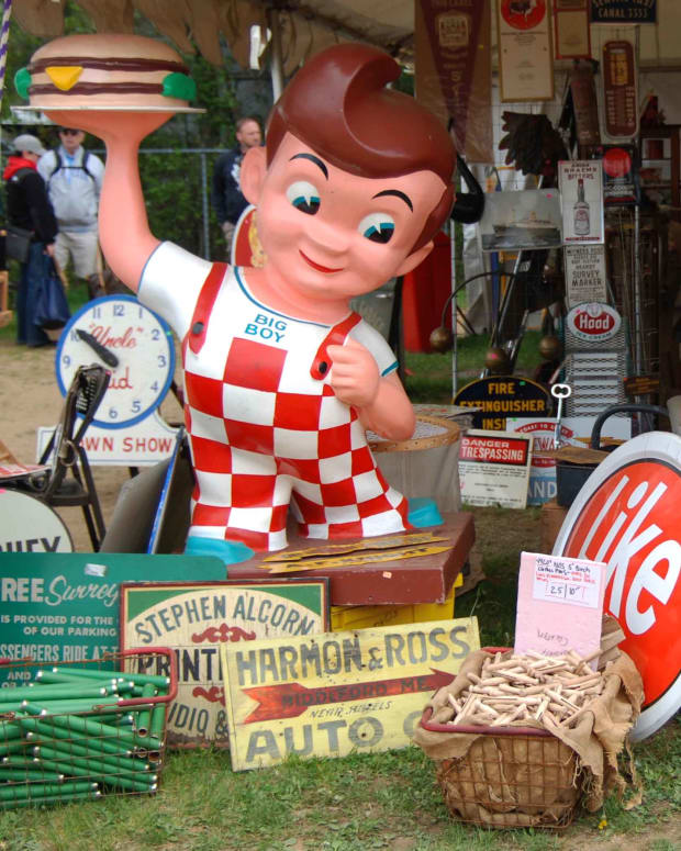Brimfield Antique Flea Market