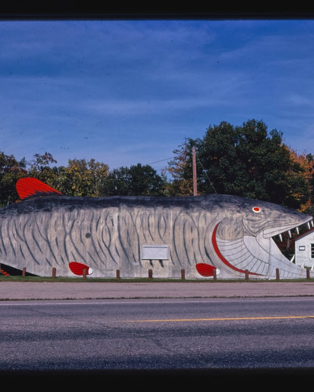 The Big Fish Supper Club in Bena, Minnesota, in the shape of a 65-foot-long muskie, 1980.