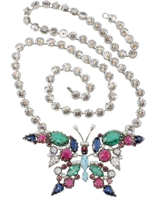 Unmarked costume jewelry necklace identified as Schreiner.