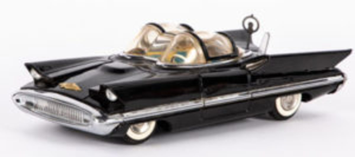 Lot 1265 - Japanese tin friction 1956 Lincoln Futura car, with antenna and opening top ($600-$800)
