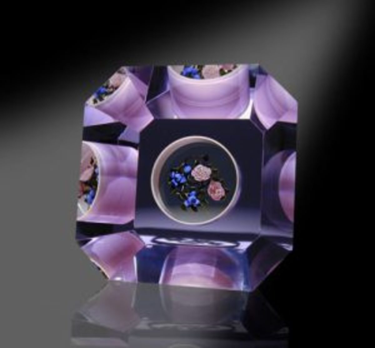 Inclusion paperweight