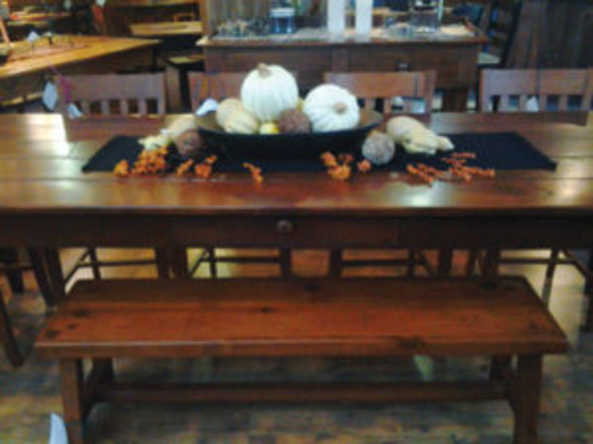 Harvest table at Pieces of the Past