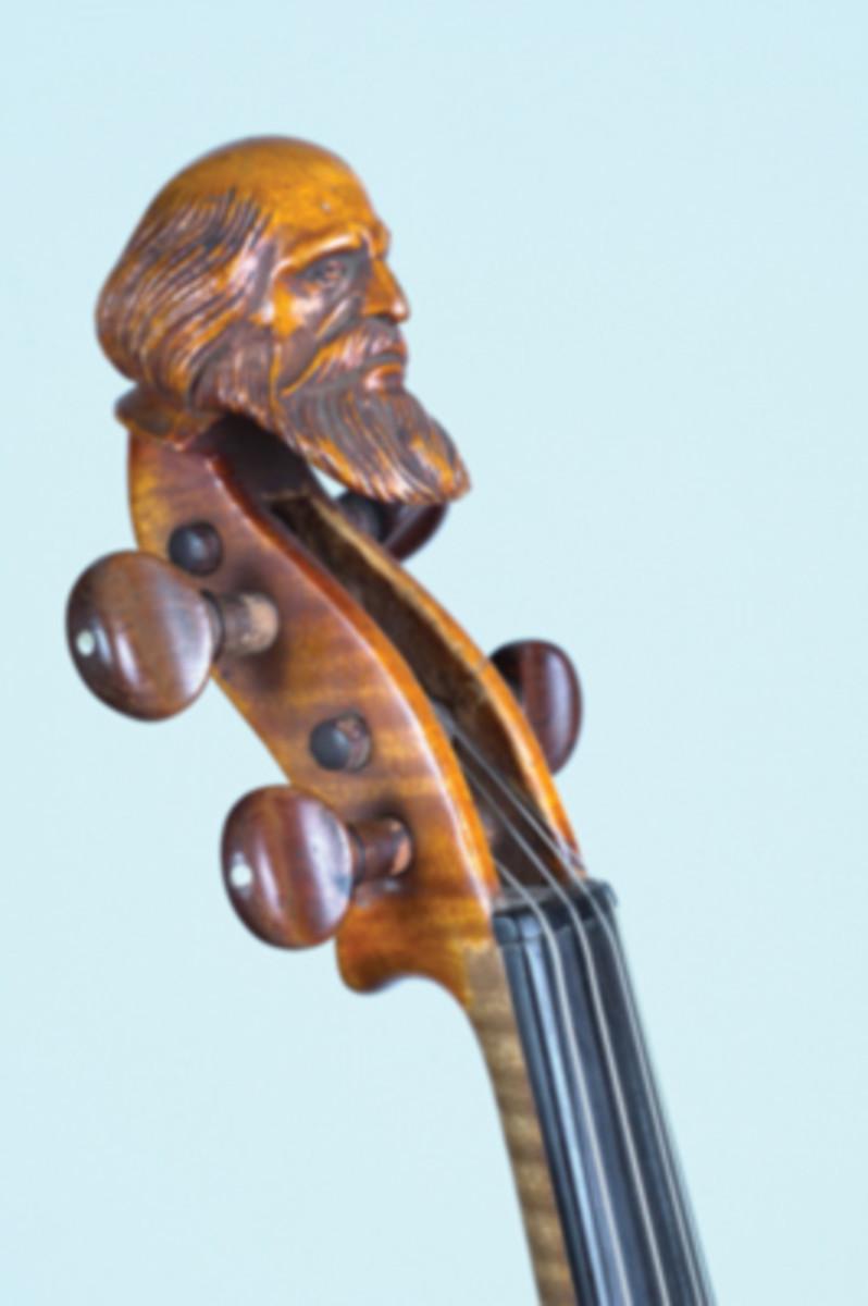 head fiddle close up