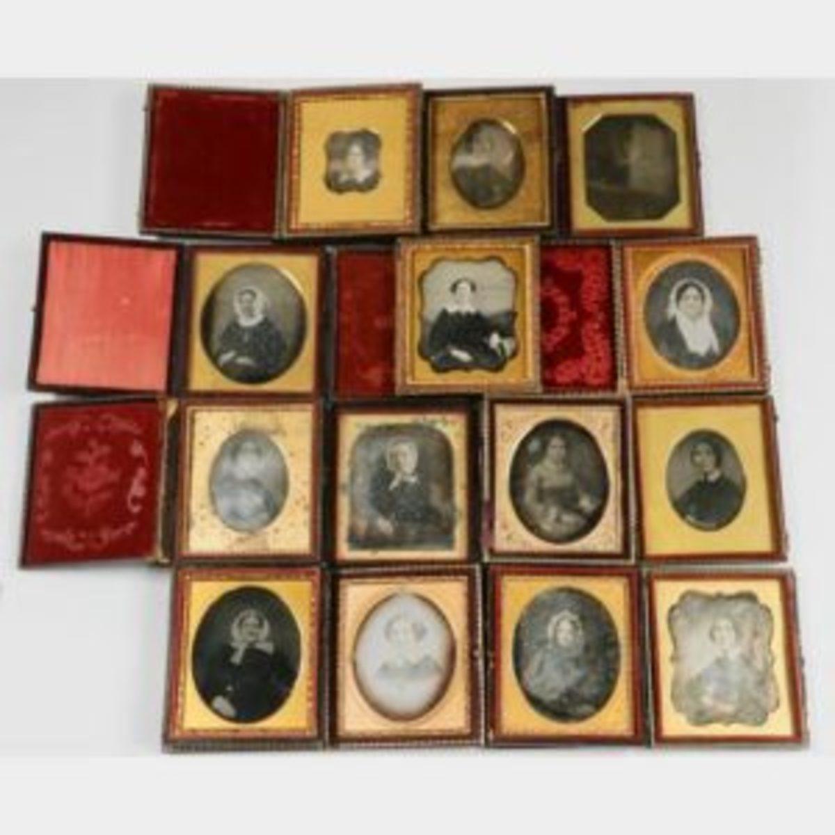 Daguerreotypes of women