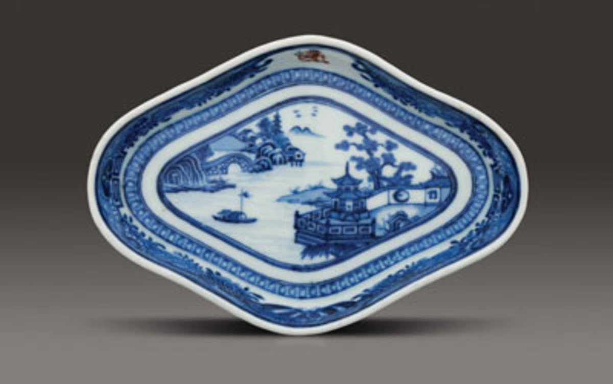 Stand, Jingdezhen, China, circa 1795, hard-paste porcelain, Museum Purchase, The Buddy Taub Foundation, Dennis A. Roach and Jill Roach Directors, 2016-116.