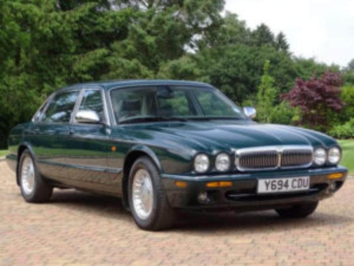 2001 Daimler Majestic 4.0 LWB luxury sedan
