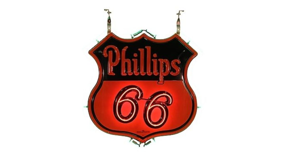 Phillips 66 double-sided neon sign, www.mecum.com