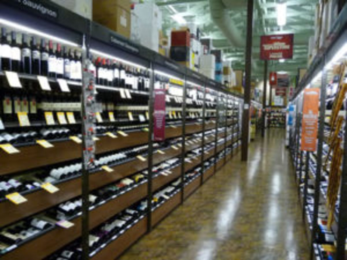 Total Wine aisle photo