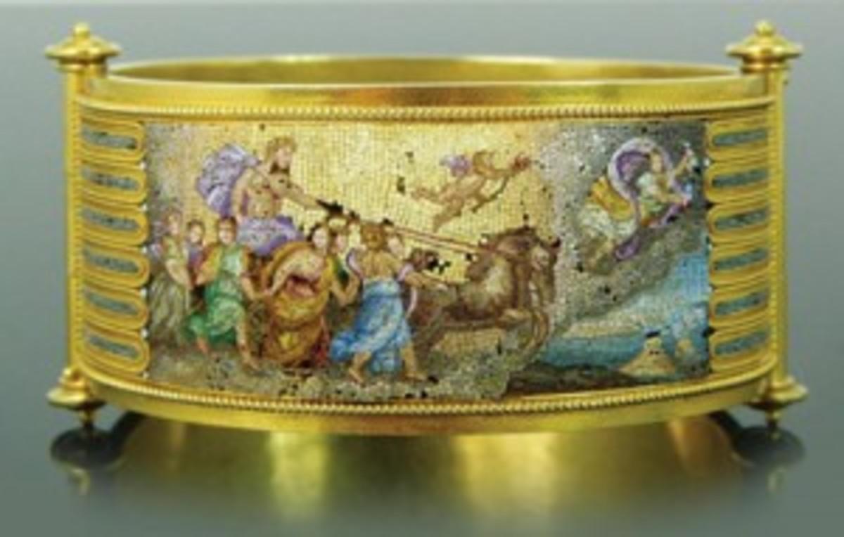 19th century 18-karat yellow gold micro-mosaic bangle (Photo courtesy Elite Decorative Arts)