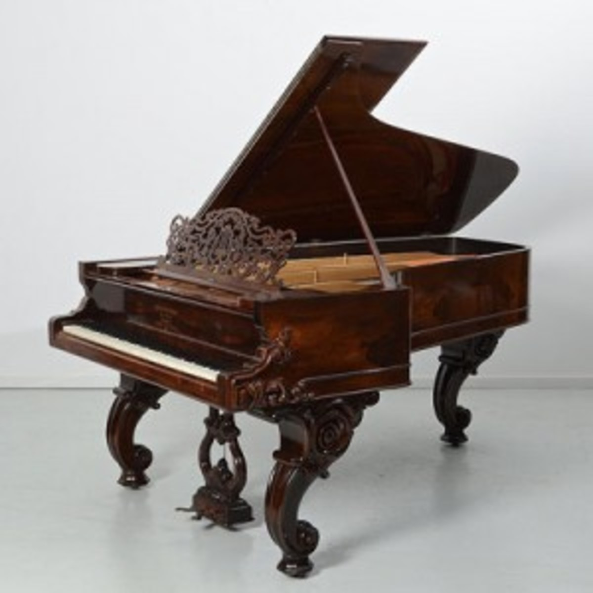 Steinway-pianoweb