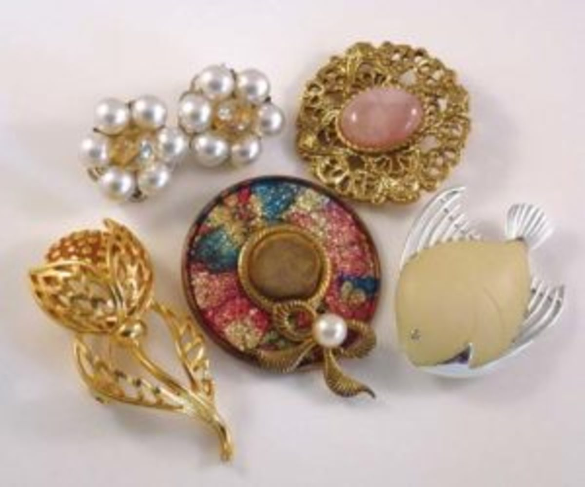 How To Pick Vintage Rhinestone Jewelry
