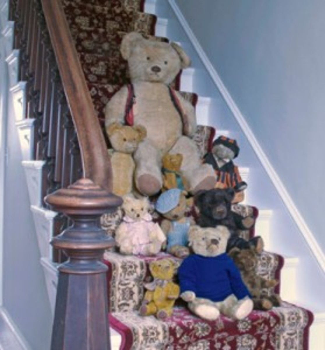 Bears-on-stairsweb