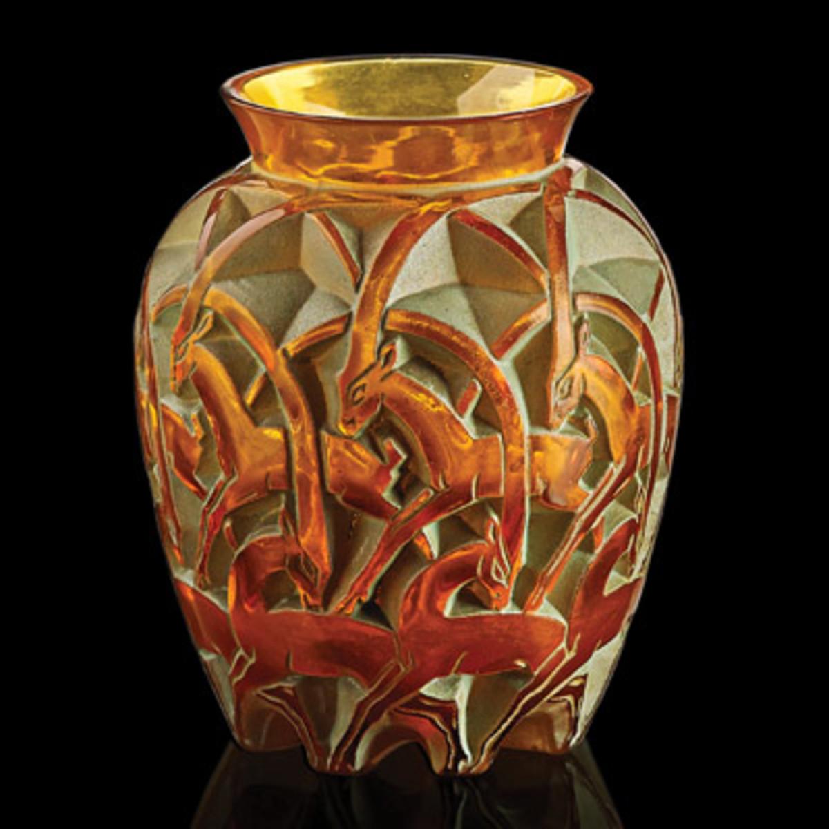 Chamois vase