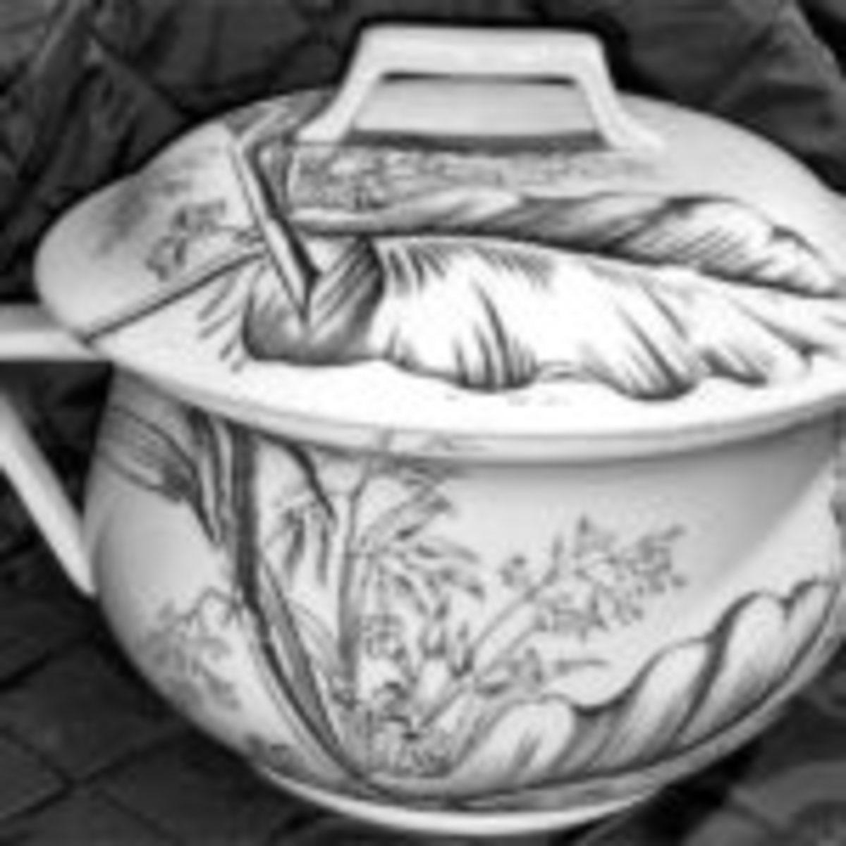 Chamber pot.