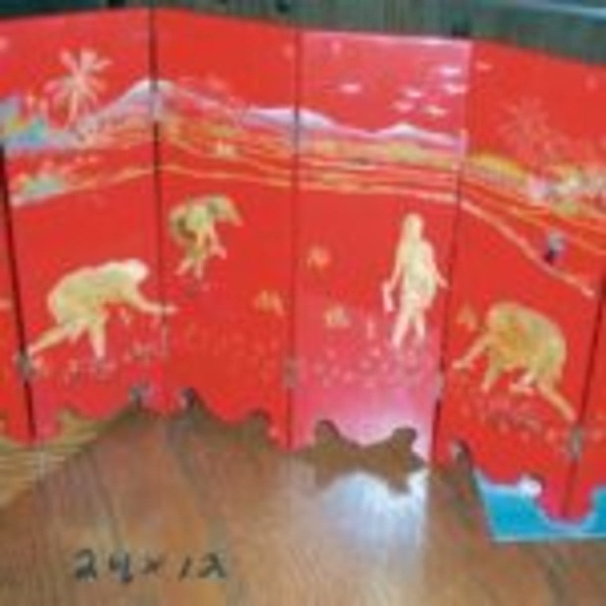 Oriental tabletop folding screen