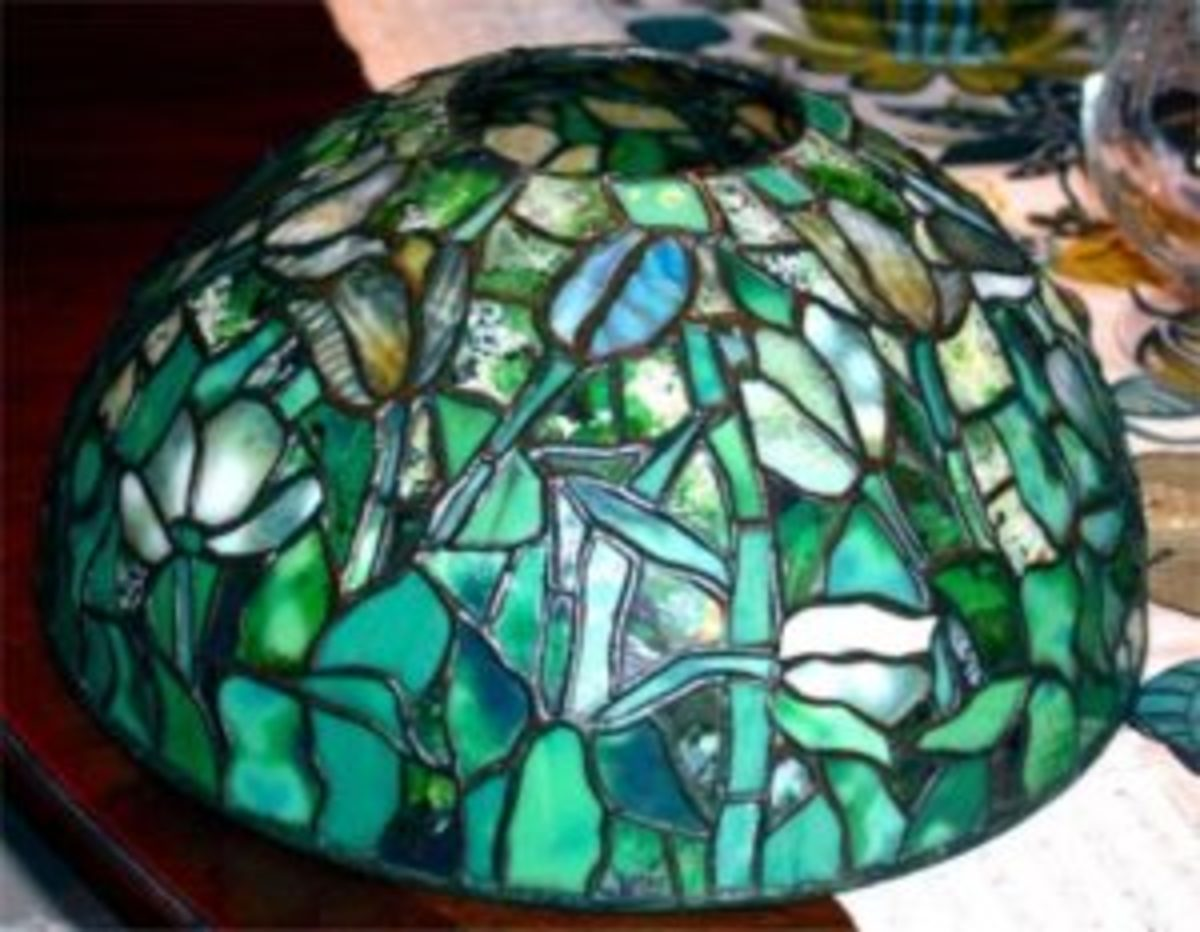 Antiques Appraisals Tiffany Lamp Shade Valued At 25 000 Antique Trader