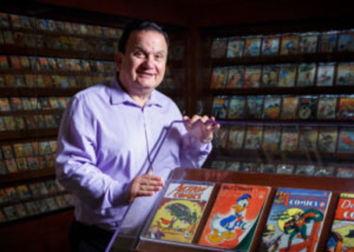 Geppi with his comic books