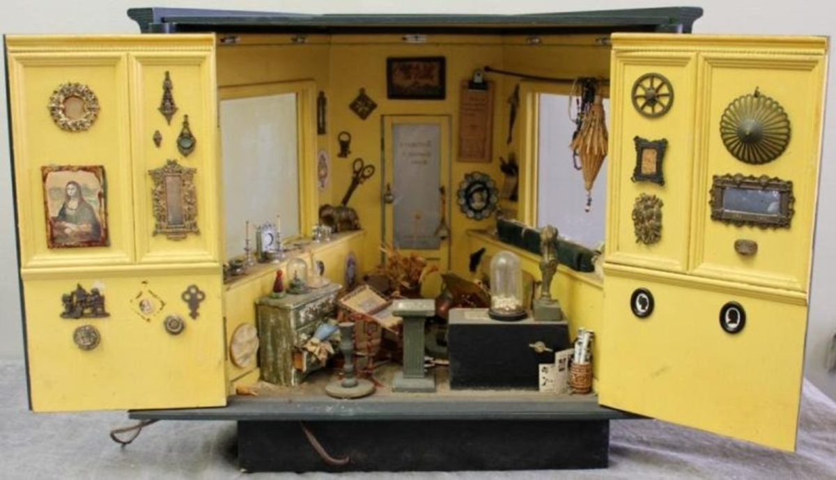 curiosity shop diorama