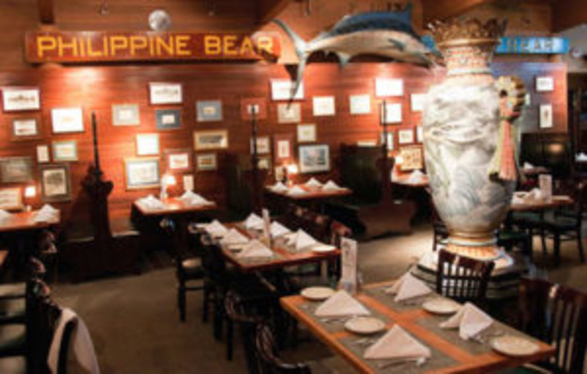 The 8-foot Japanese cloisonné vase as it appeared for over a hundred years in the main dining room of Spenger's Fresh Fish Grotto in Berkeley, California.