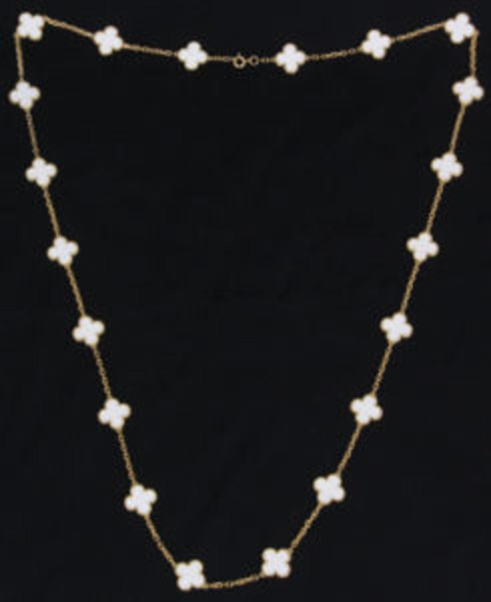 Van Cleef & Arpels coral necklace