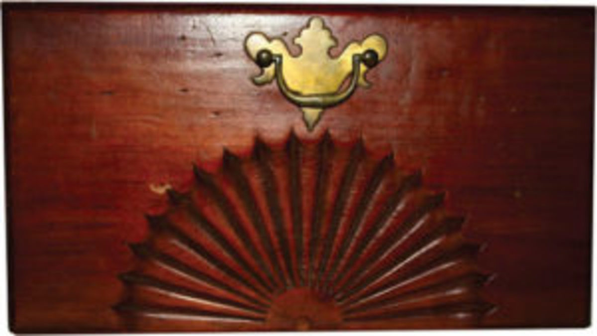 Fan carving design on drawers