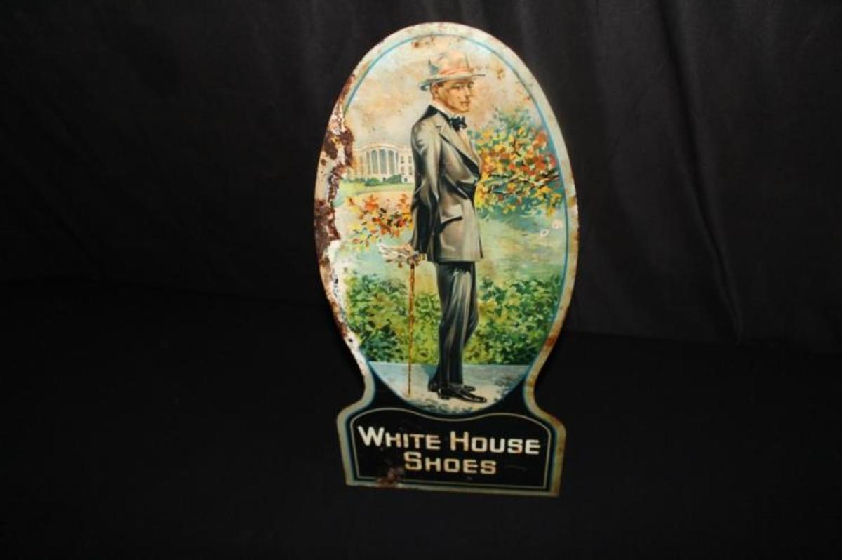 White House shoes sign