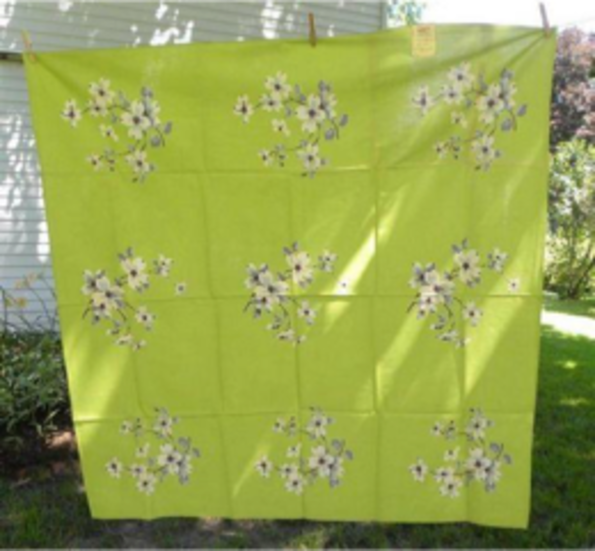 Dogwood tablecloth