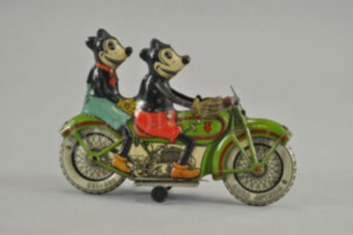 Tippco Mickey and Minnie motorcycle toy