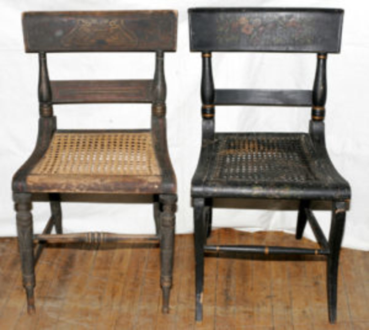 These two period Hitchcock chairs from the 1830s are factory made. Image courtesy of liveAuctioneers/DuMouchelles