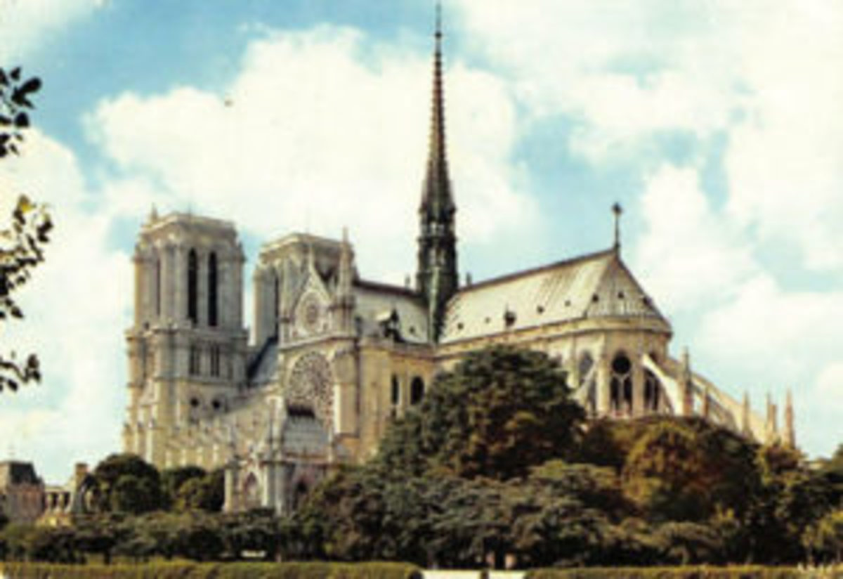 This 1970s postcard view shows just how diverse the architectural elements comprising the exterior of Notre-Dame de Paris.