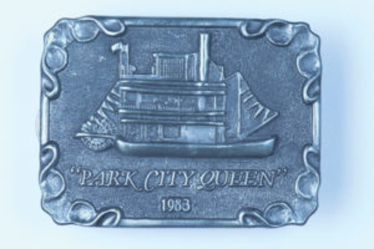 """1983 """"Park City Queen"""" buckle. Beltside reads: Park City Queen River Boat By Michael Ricker Copyright 1983 / Limited Edition / Number 568 of 3500 ($5.87, March 2017)"""