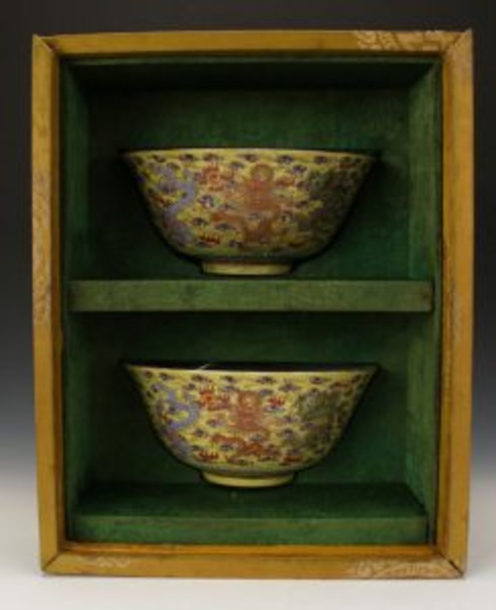 Glazed bowls with dragon design