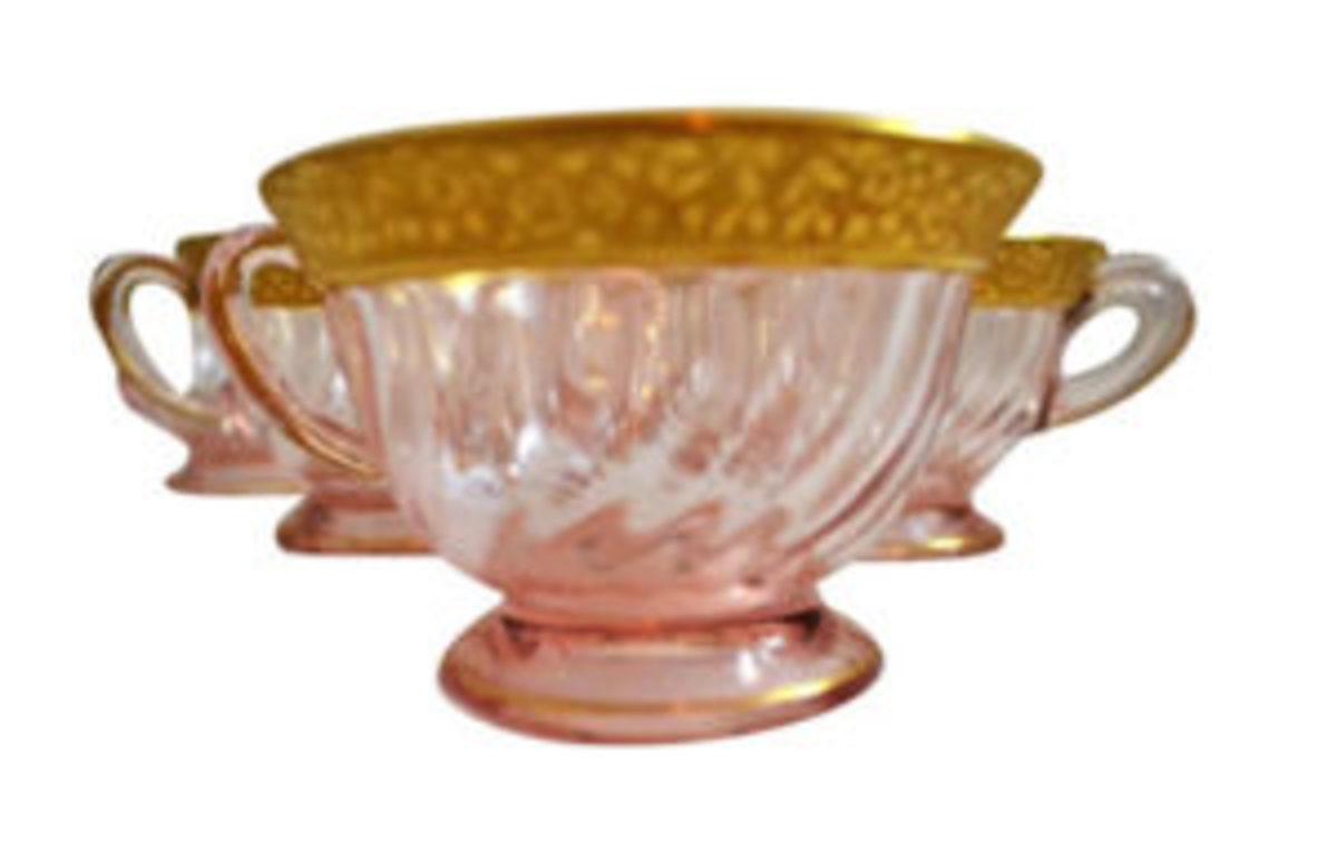 pink swirl depression glass cups